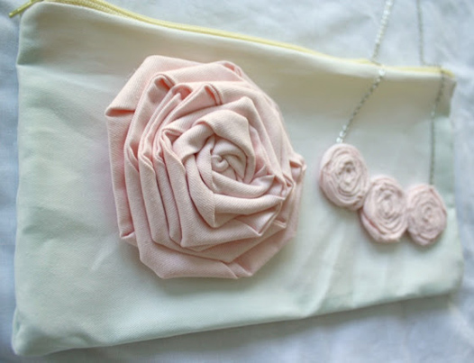 Big Flower, Zipper Pouch And Rolled Flower Necklace